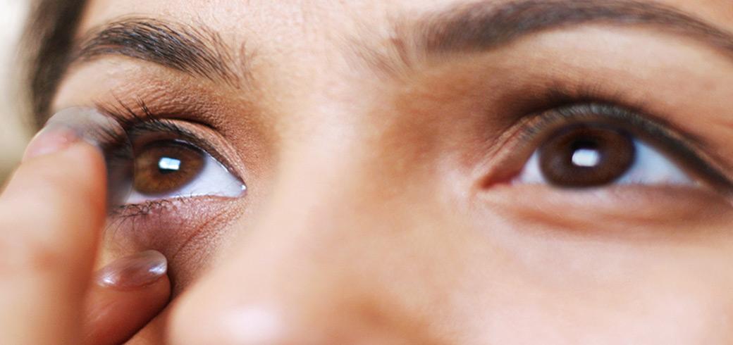 Cuidados com as lentes de contato - Ponto de Visão