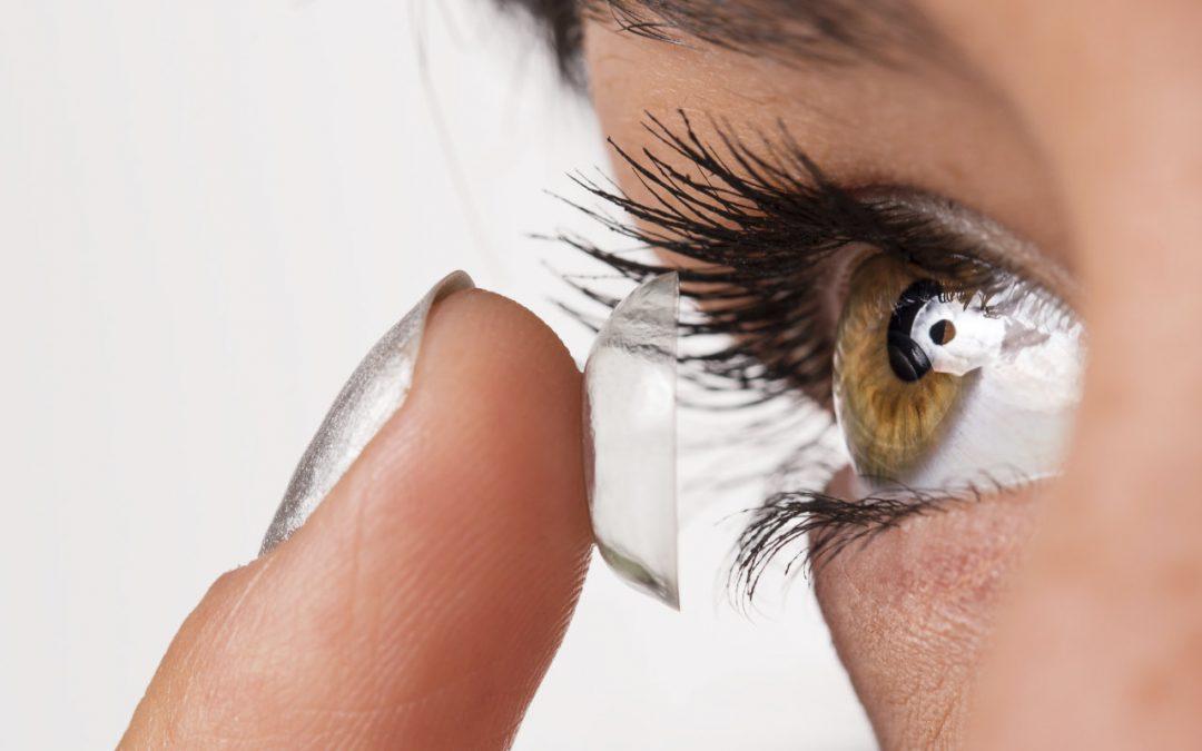 8e2968f1b58fc Por isso hoje a Ponto de Visão vai te ajudar a identificar o que é verdade  – ou não – sobre o uso das lentes corretivas. Confira!