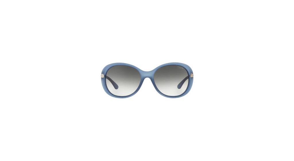 Imagem de óculos de sol Vogue oversized azul