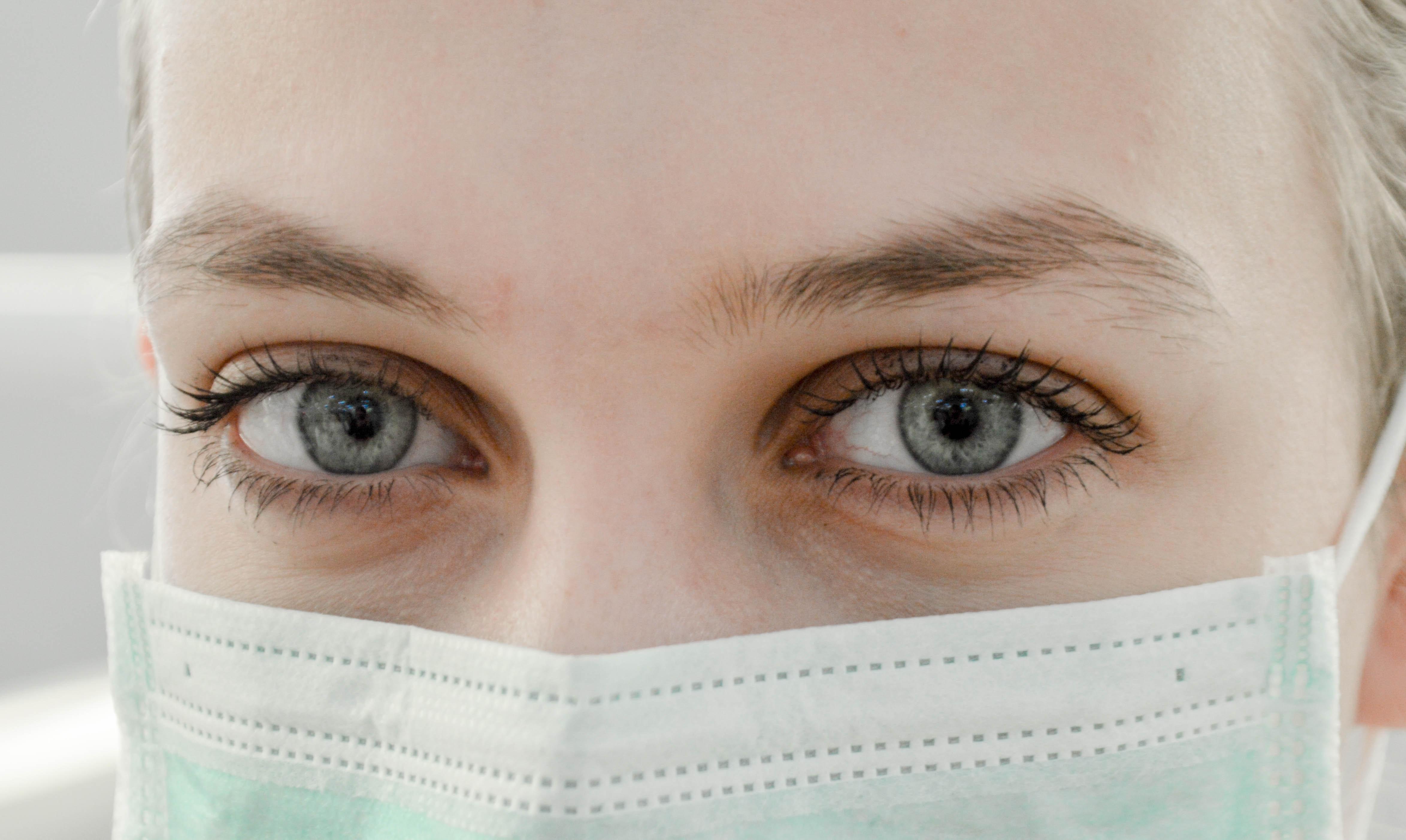 A Covid-19 afeta os olhos: entenda como