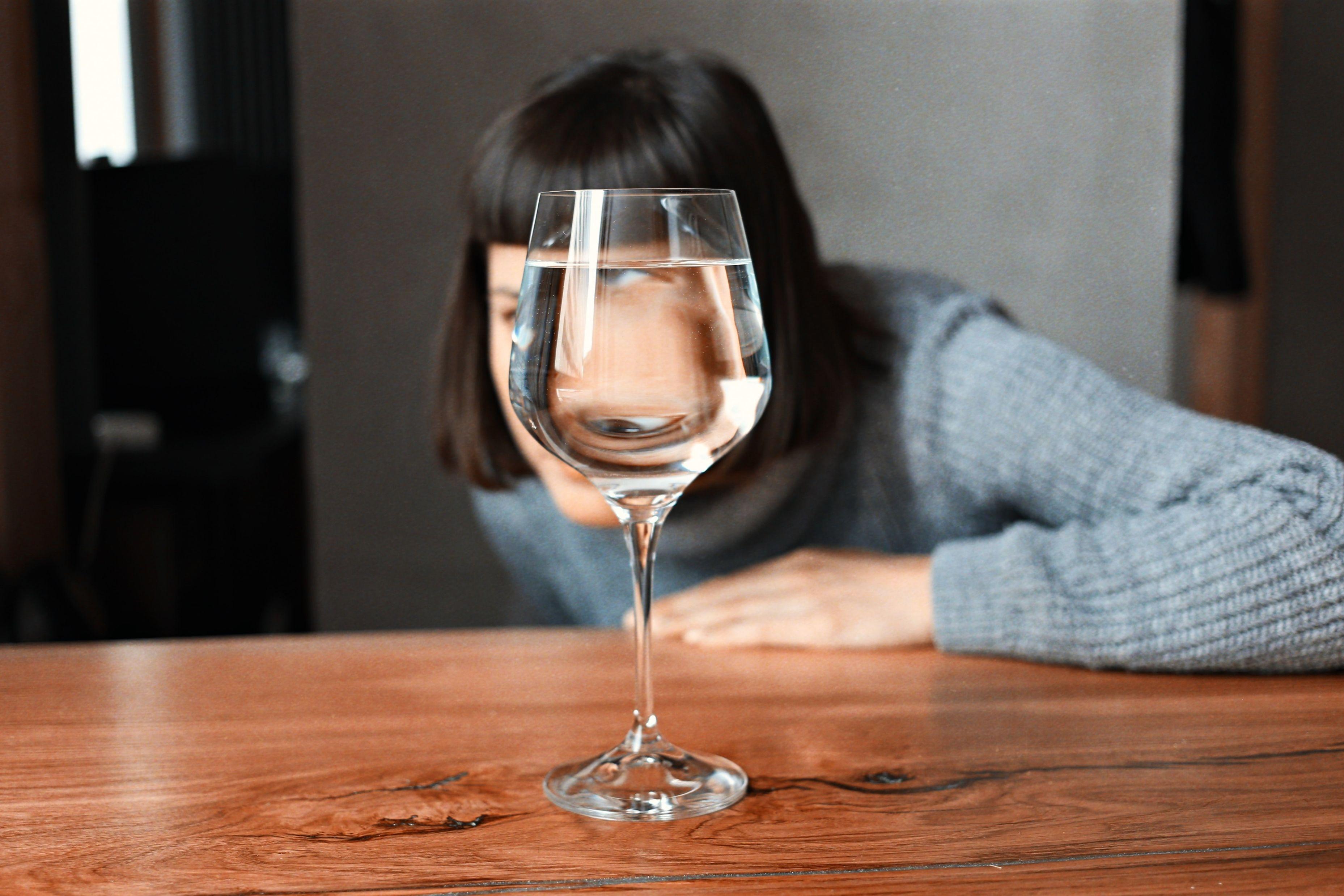 Veja como o consumo abusivo de álcool prejudica a visão