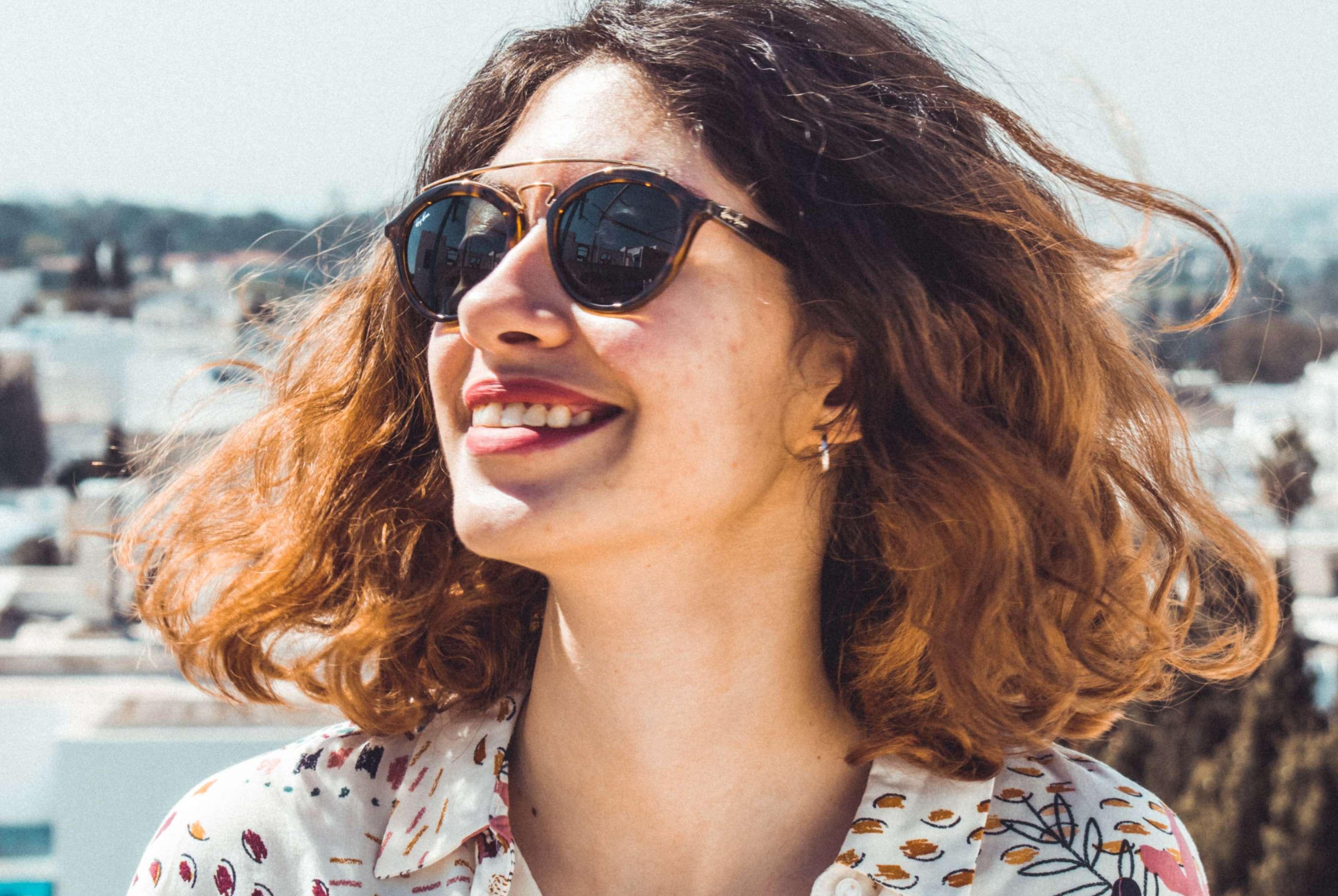 Óculos de sol com grau: uma opção para melhorar a qualidade de vida